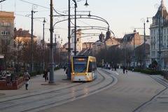 Tram, die Form der Halt beginnt lizenzfreie stockfotos