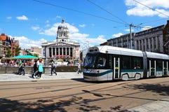 Tram door Stadhuis, Nottingham Royalty-vrije Stock Foto