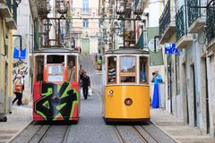 Tram funiculaire de Lisbonne Photographie stock libre de droits