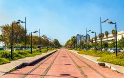 Tram Linie im Bau nahe der Stadt von Künsten und von Wissenschaften in Valencia, Spanien stockbild