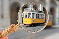Tram in Lissabon, Portugal stockbilder