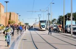 Tram moderno nel centro di Rabat morocco Immagini Stock Libere da Diritti
