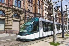 Tram moderno su una via di Strasburgo, Francia Immagine Stock Libera da Diritti