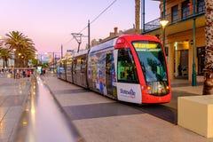 Tram an Moseley-Quadrat in Glenelg Lizenzfreies Stockfoto