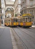 Tram nella città di Milano, Italia Immagine Stock