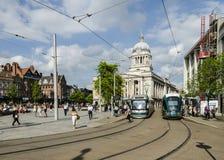 Tram NETTI nel vecchio quadrato del mercato, Nottingham immagine stock