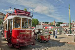Tram no 28 van Lissabon, Portugal Stock Afbeelding