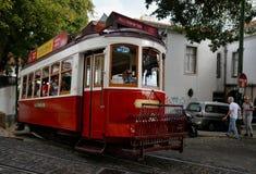 Tram Nr. 28 in Lissabon Lizenzfreies Stockbild