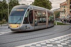 Tram op de straat van Nice Stock Afbeelding