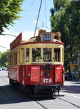 Tram op Rolleston Weg Christchurch, Nieuw Zeeland Stock Foto