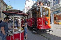Tram in Taksim, Istanboel, Turkije Royalty-vrije Stock Foto's