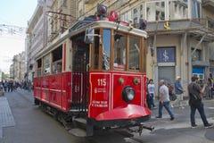 Tram in Taksim, Istanboel, Turkije Stock Afbeelding