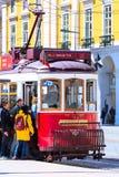 Tram turistico rosso di Lisbona, Portogallo Immagini Stock