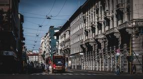 Tram via Corso Vercelli a Milano, Italia fotografia stock libera da diritti