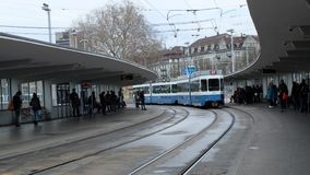 Tram in Zürich, Zwitserland stock foto