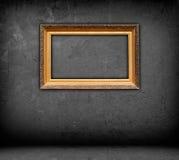 Trame blanc dans la chambre vide image stock