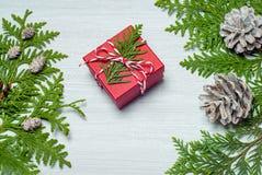 Trame de Noël avec des décorations Configuration plate, vue supérieure Photographie stock libre de droits
