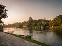 Tramonto ad un fiume, Tailandia Immagine Stock Libera da Diritti