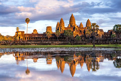 Tramonto affascinante a Angkor Wat Immagine Stock