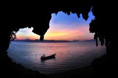 Tramonto al Ao Luk, sud della Tailandia Fotografie Stock Libere da Diritti