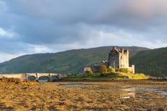 Tramonto al castello di Elian Donan Fotografie Stock Libere da Diritti
