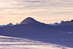 Tramonto al ghiacciaio di Kaprun in alpi austriache Immagine Stock