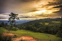 Tramonto al parco nazionale di Huenamdang, Tailandia Fotografia Stock Libera da Diritti