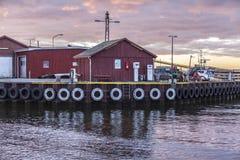 Tramonto al porto fotografie stock libere da diritti