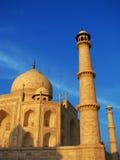 Tramonto al Taj stupefacente Mahal a Agra (India) fotografia stock libera da diritti