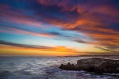 Tramonto alla costa a Kenton sul mare, Sudafrica immagine stock
