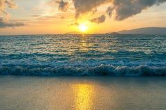 Tramonto alla spiaggia Fotografia Stock