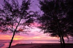 Tramonto alla spiaggia di Khao Lak Immagine Stock Libera da Diritti