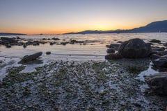 Tramonto alla spiaggia di Kitsilano, Vancouver Canada fotografia stock libera da diritti