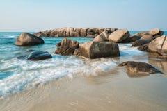 Tramonto alla spiaggia di Rayong Immagini Stock