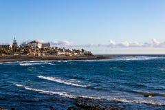 Tramonto alla spiaggia vicino a Costa Adeje, Tenerife, Spagna - immagine fotografia stock libera da diritti