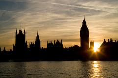 Tramonto alle case del Parlamento Immagine Stock