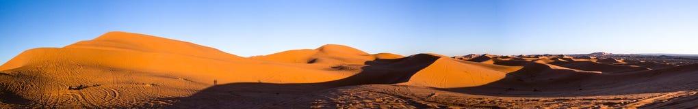 Tramonto alle dune di sabbia Immagini Stock Libere da Diritti