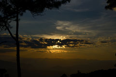 Tramonto in alta montagna in nordico della Tailandia Fotografia Stock Libera da Diritti