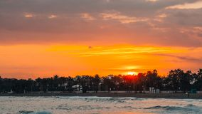 Tramonto arancio a Marbella, Malaga immagini stock libere da diritti