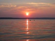 Tramonto calmo della spiaggia fotografia stock