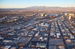 Tramonto, case e montagne, Las Vegas, U.S.A. Fotografia Stock Libera da Diritti
