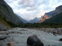 Tramonto con la corrente Svizzera, Unterstock, Urbachtal del ghiacciaio alpino Fotografia Stock