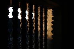 Tramonto con la finestra della finestra della chiesa Immagini Stock