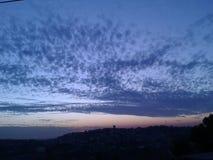 tramonto con le nuvole alla notte Fotografia Stock