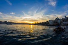 Tramonto dal ponte di Galata Costantinopoli, Turchia Fotografia Stock