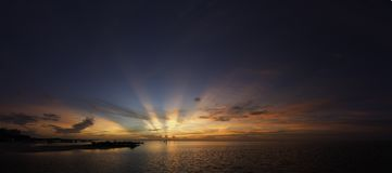 Tramonto dall'acqua in Cancun Immagine Stock Libera da Diritti