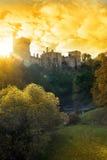 Tramonto del castello di Lismore sopra il fiume del blackwater Immagine Stock