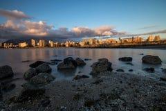 Tramonto del centro di Vancouver dal punto dei corredi Fotografie Stock