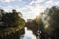 Tramonto del fiume di Berlino fotografia stock libera da diritti