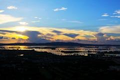 Tramonto del fiume di Mandalay Irrawaddy, Myanmar fotografia stock